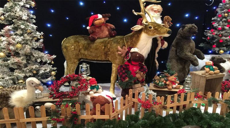 Trang trí Noel cho quán cafe đẹp lung linh