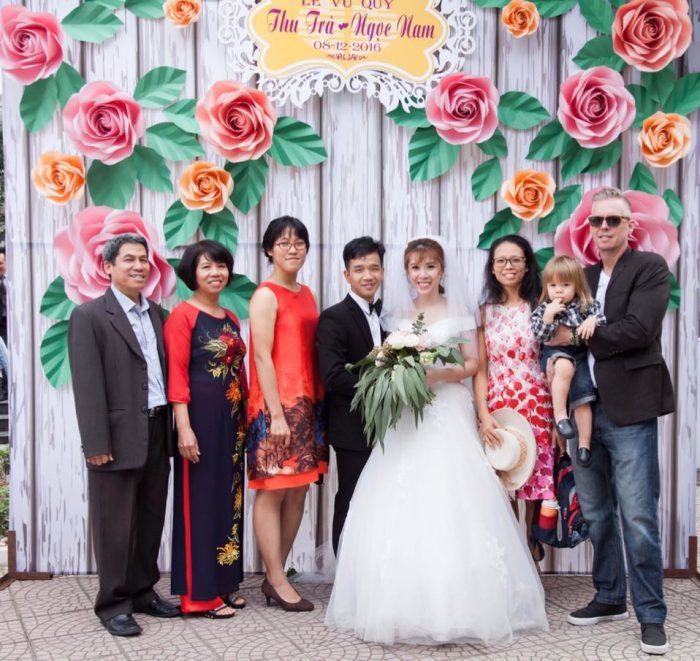 hoa giấy trang trí cưới đẹp