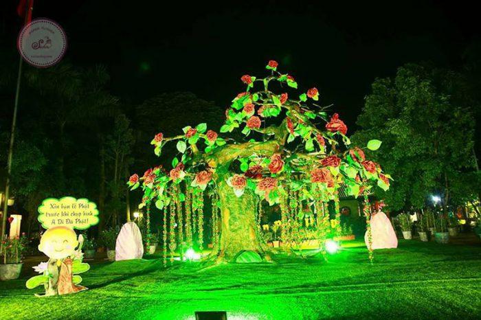 Hoa mút xốp chùa Khai Nguyên