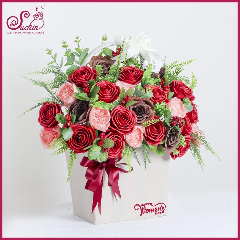 Giỏ hoa đỏ nồng nàn