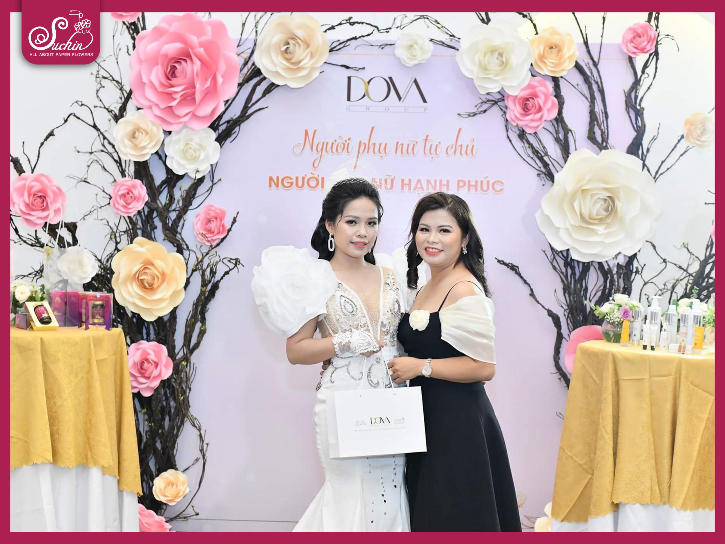 DOVA – Backdrop hoa giấy sự kiện