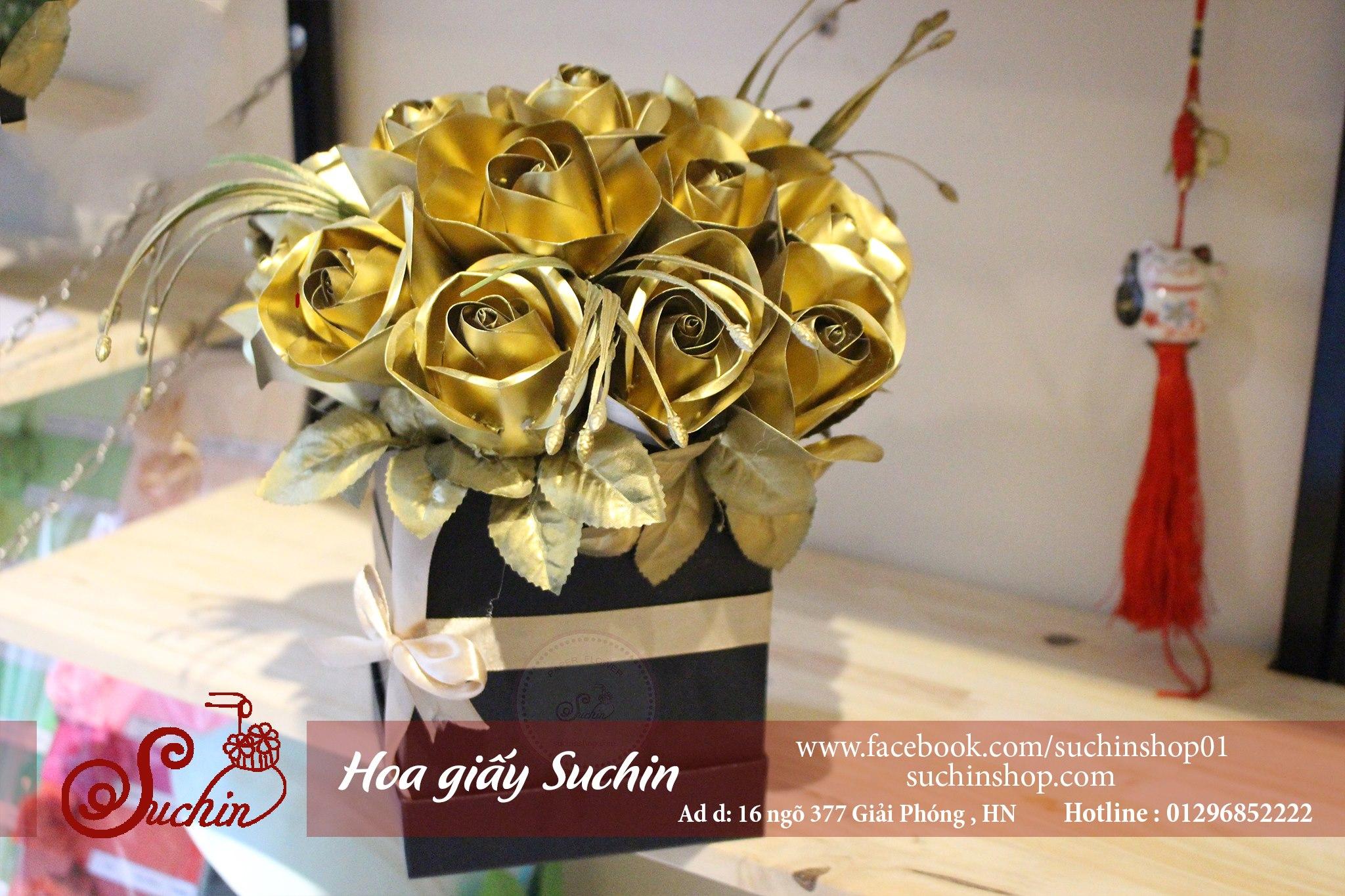 Hộp hoa vàng đồng sang trọng