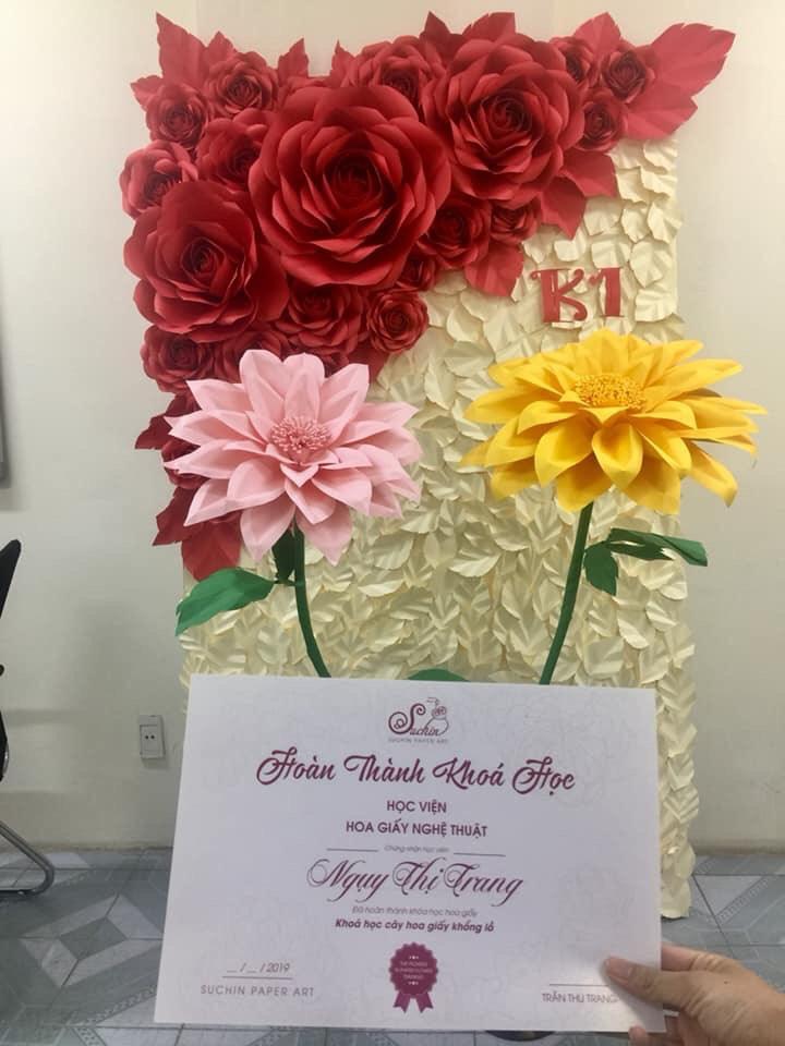 Lớp làm hoa backdrop cầm tay chỉ việc cho người mới bắt đầu tại Hà Nội.