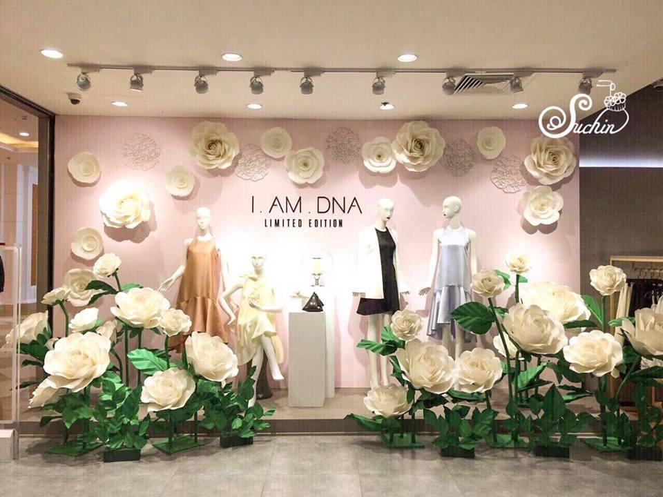Trang trí window display cho cửa hàng thời trang