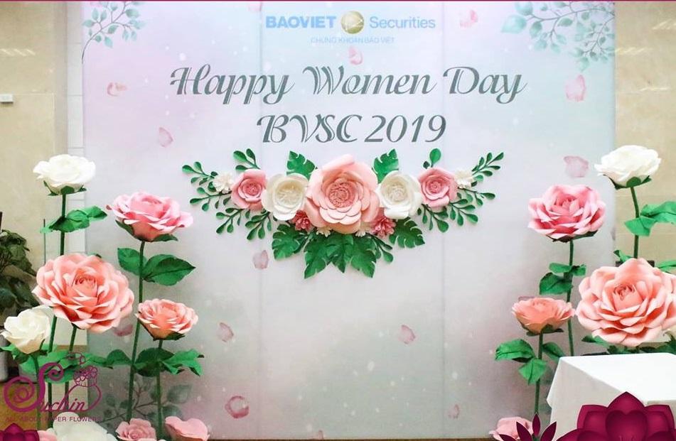 Backdrop hoa giấy Bảo Việt