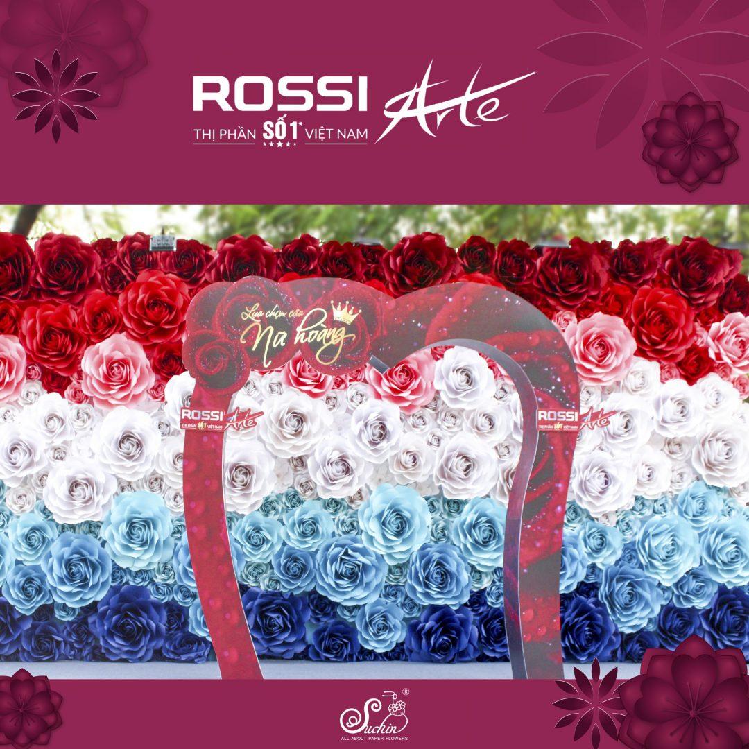 """Backdrop chương trình """"ROSSI – Lựa chọn của nữ hoàng"""""""