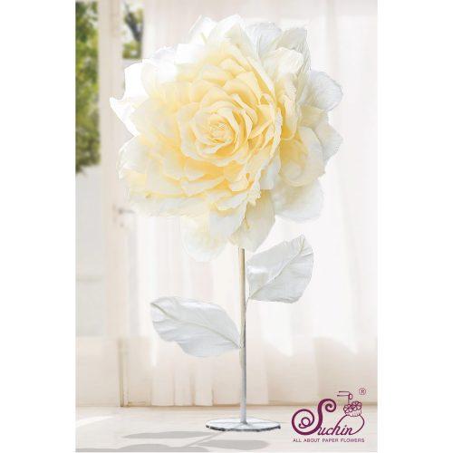 Cây hoa giấy khổng lồ trang trí show window