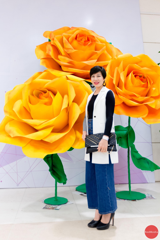 Choáng ngợp trước vẻ đẹp của cây hoa trang trí khổng lồ