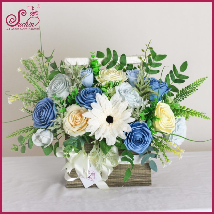Giỏ hoa gỗ xanh mát lành