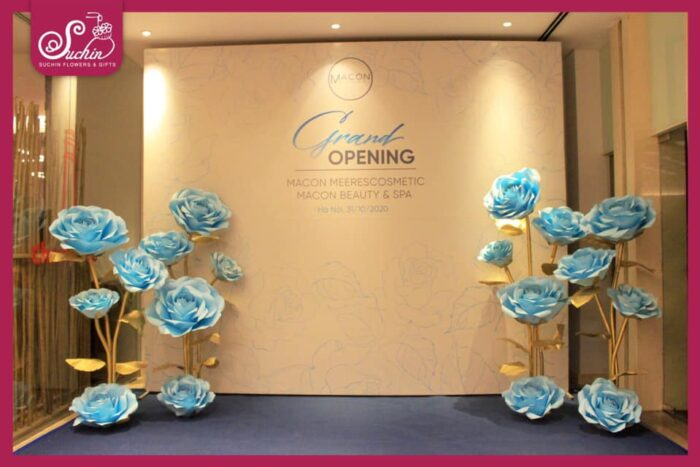 hoa khổng lồ tại Grand opening