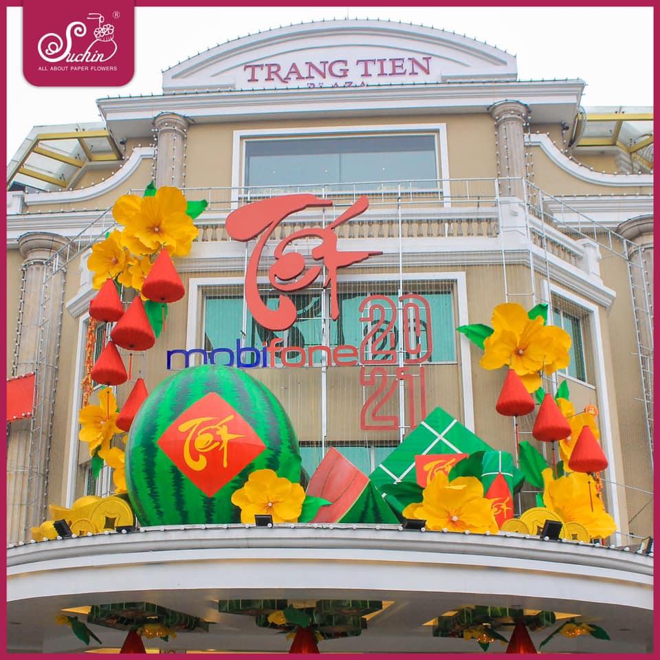 Thiết kế, trang trí Show Window cho Tràng Tiền Plaza