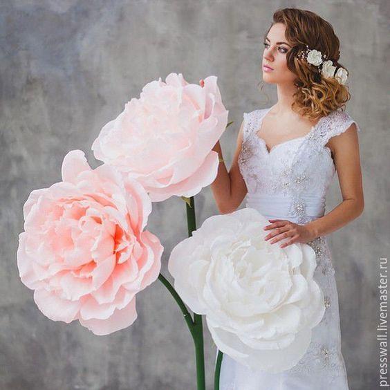 Tips chụp ảnh cưới với cây hoa khổng lồ, nàng