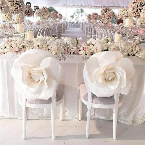 Mẫu trang trí ghế ngồi tiệc cưới sang trọng, ấn tượng