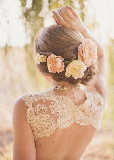 Hoa cài tóc cô dâu, nàng trở nên nổi bật và dịu dàng trong ngày cưới